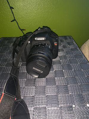 Canon T5? for Sale in Anaheim, CA