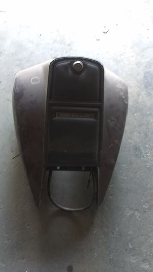 Electra Glide Classic gas tank no rust inside for Sale in Indianapolis, IN