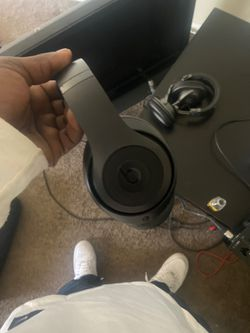 Wireless Dre beats 20$ no cords for Sale in Los Angeles,  CA