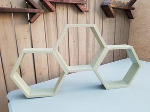Honeycomb shelf for Sale in Hesperia, CA