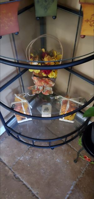 Corner shelf for Sale in Hemet, CA