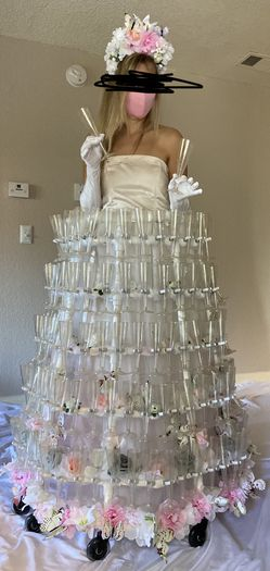 Champagne Serving Dress Event Organizing Wedding Reception for Sale in Las Vegas,  NV