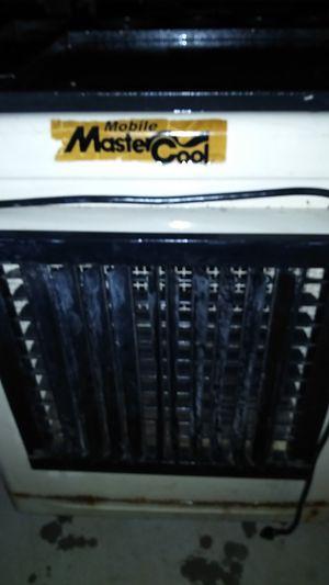 Master cooler on wheels for Sale in Phoenix, AZ