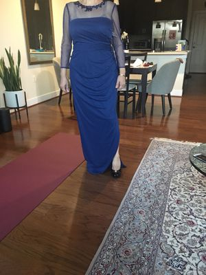 jS collection size8 maxi dress sutible for mother of bride it is big on me very nice dress for Sale in Alexandria, VA