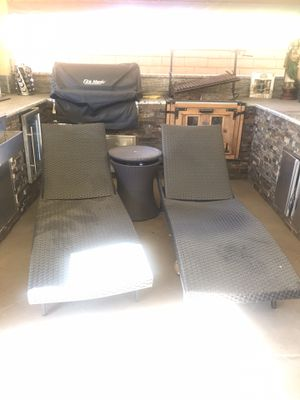 Pool Chairs and table for Sale in Hacienda Heights, CA