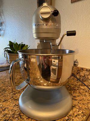 KitchenAid Pro 600 Series Mixer for Sale in Moreno Valley, CA