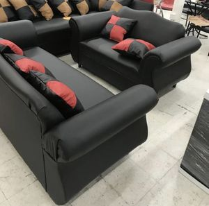 FURNITURE NEW SOFA COUCH PILLOW - 2 PIECES WITH PILLOWS for Sale in Miami, FL