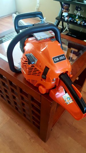 ~BRAND NEW ECHO GAS STRING CHAINSAW~ for Sale in Moreno Valley, CA