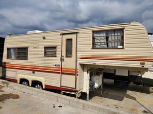 1986 21 ft 5th Wheel Travel Trailer Current Tag's & Clean Title 👍 for Sale in La Habra Heights, CA