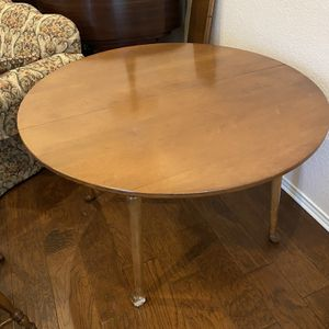 Breakfast Table With Chairs for Sale in Carrollton, TX