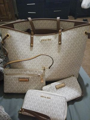 Michael kors collection for Sale in Charlotte, NC