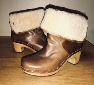 UGG Lynnea boots for Sale in Aloha, OR