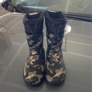 Size 13-1 Rain Snow Boots for Sale in Bothell, WA