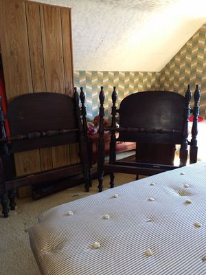 Twin bed set for Sale in Kingsley, MI