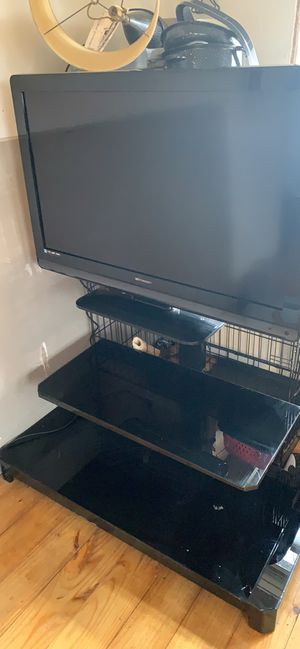45 inch Emerson tv an tv stand 150$ for Sale in Washington, PA
