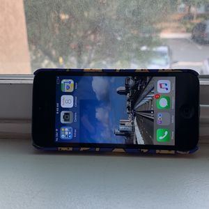 iPhone 5 16gb for Sale in Moreno Valley, CA