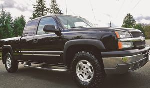 NICE AND CLEAN CHEVY SILVERADO for Sale in Detroit, MI