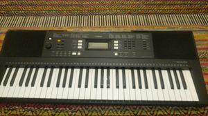 Yamaha psr 323 for Sale in Seattle, WA