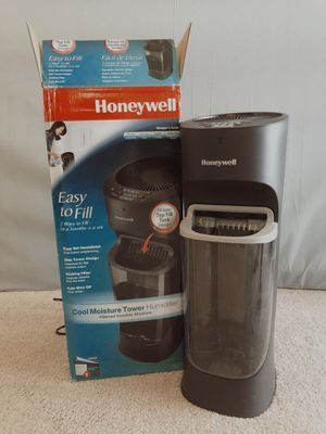 Honeywell Cool Moisture Humidifier for Sale in West McLean, VA