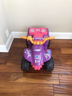 Electronic toy car for kids for Sale in Los Angeles, CA
