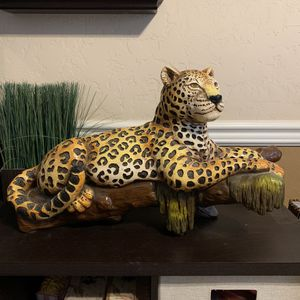 Large Ceramic Cheetah Home Decor for Sale in Fresno, CA