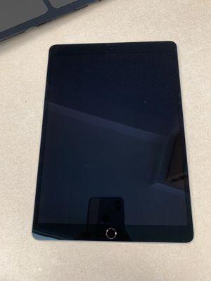 Apple iPad Pro for Sale in LEWIS MCCHORD, WA