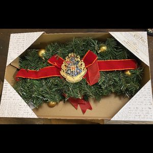 HARRY POTTER HOUSE CREST GARLAND for Sale in Riverview, FL