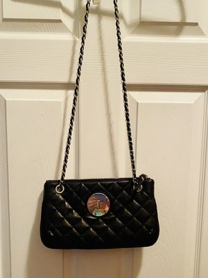 DKNY Quilted Leather Crossbody/Shoulder Bag for Sale in Lorton, VA