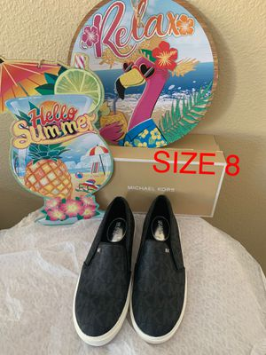 MICHAEL KORS BLACK SIZE 8 $85 Dlls NUEVO ORIGINAL for Sale in Fontana, CA