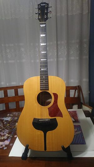 Taylor Big Baby BBT Acoustic Electric Guitar. for Sale in Chicago, IL