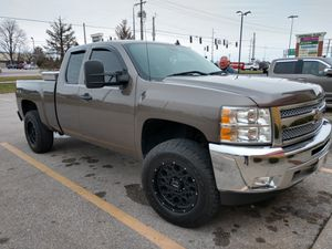 2012 Chevy Silverado extended cab 4-wheel drive 1500 for Sale in Acton, IN