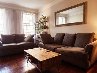 Two Piece Sofa Set w/Queensize Bed Pullout for Sale in Queens,  NY