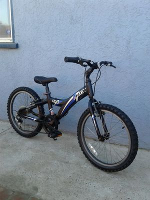 """Giant Mountain Bike--20"""" Tires for Sale in Chino, CA"""