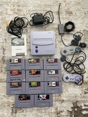 Super Nintendo SNES Mini Console System SNS 101 with 2 Controllers & Games Bundle for Sale in Kent, WA