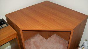 Desk. Corner. for Sale in Fort Washington, MD
