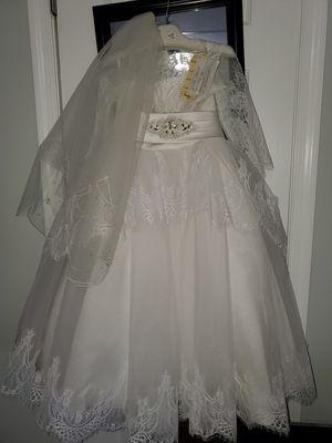 little bride wedding dress size 4/ vestido de noviacita talla 4 for Sale in Glen Burnie, MD