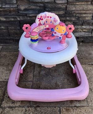 PRACTICALLY NEW BABY WALKER for Sale in Rialto, CA