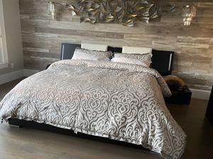 King bedroom set for Sale in Hoschton, GA