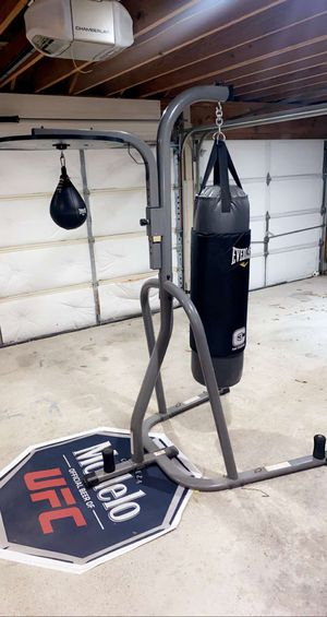 EverLast foam Technology C3 Punching bag, Speed bag and stand for Sale in Clodine, TX