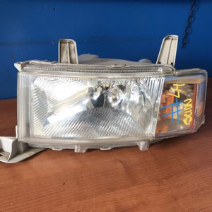 2004 2005 2006 Scion Xb Left Headlight for Sale in Los Angeles, CA