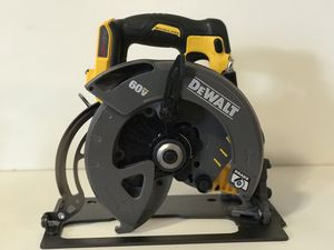 DEWALT 60v CORDLESS 7-1/4in CIRCULAR SAW NO BATTERY OR CHARGER INCLUDED TOOL ONLY SOLO LA HERRAMIENTA for Sale in Colton, CA