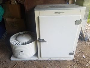 Very rare back bar countertop refrigerator GE 1930s VGC for Sale in Cleveland, OH