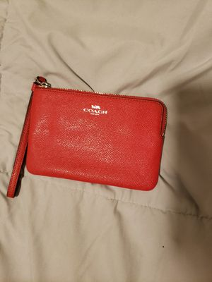 Coach zipper wallet Red for Sale in Chicago, IL