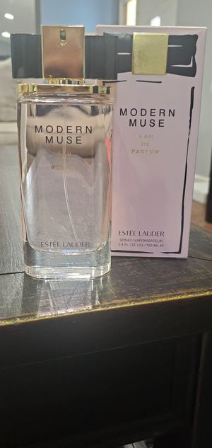 Estee lauder modern muse perfume for Sale in Riverside, CA
