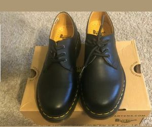 Dr. Martens Women's 8, Men's 7 Unisex Black Leather Lace Up Shoes Oxford NWB Ship same day or next business for Sale in Silver Spring, MD