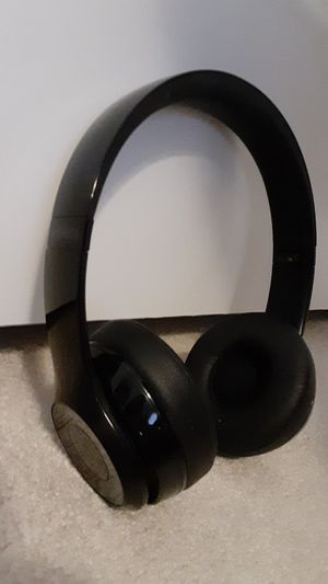 Beats solo 3 black wireless bluetooth headphones for Sale in Columbus, OH