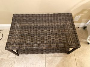 Patio furniture table very sturdy awesome lightly used for Sale in San Diego, CA