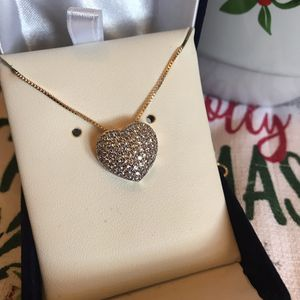 Beautiful Swarovski Crystal heart necklace for Sale in Charles Town, WV