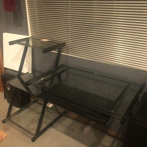 Free desk for Sale in Seattle, WA