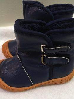 Toddler boys size 5 faux fur lined rain boots for Sale in Riverside,  IL